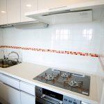 江東区タワーマンションキッチン交換、洗面所床タイル張り